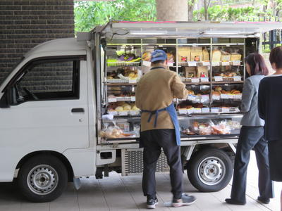 移動パン屋①.JPG