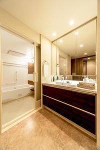 AO2_客室_512号室_浴室・洗面室.jpg