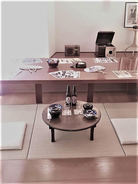 茶の間モノクロ.jpg