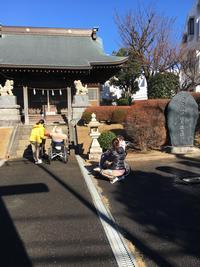 車椅子参拝.JPG