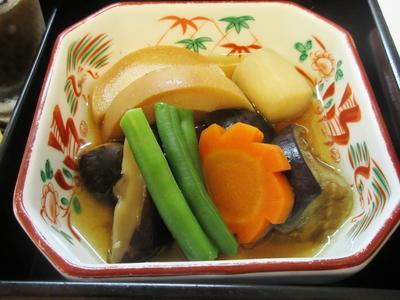 2018-9-7(旬の野菜の煮物).JPG