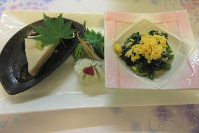 水無月豆腐とホウレン草と蒸し鶏.JPG